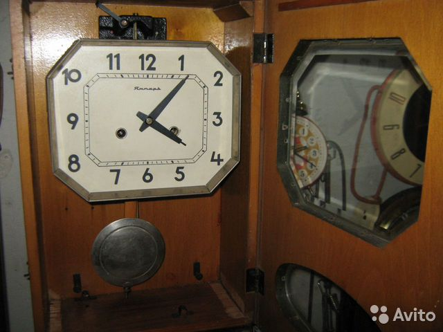 Настенные часы янтарь с боем