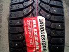 Пара новых японских 235.45R17 Bridgestone Spike-01