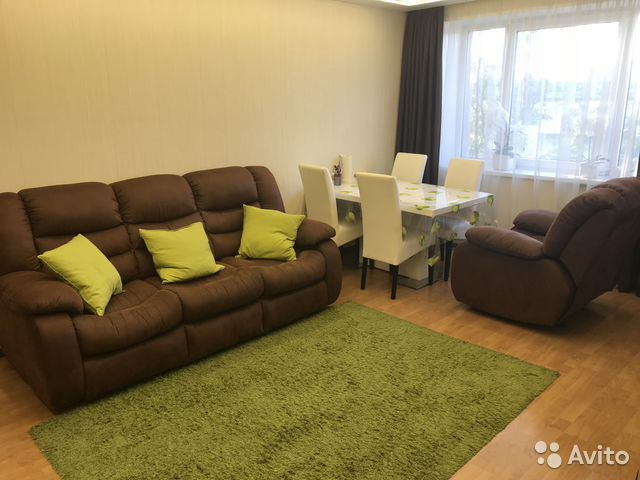 Продается двухкомнатная квартира за 3 250 000 рублей. Мурманск, улица Академика Книповича, 40.
