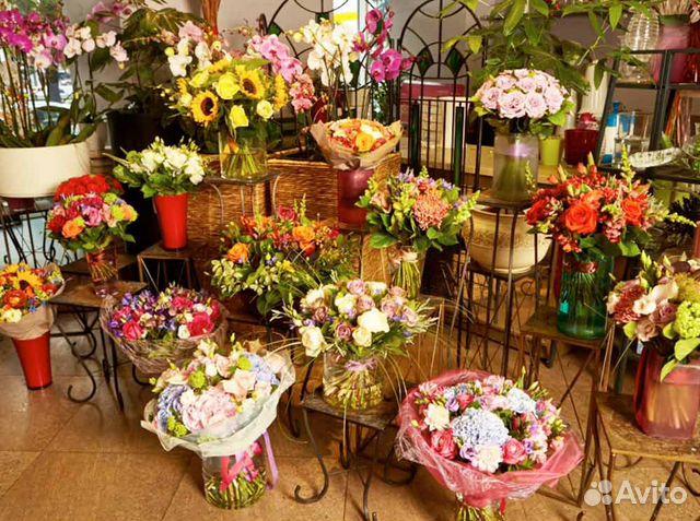 89220004530  Автономный цветочный магазин в новом ТЦ